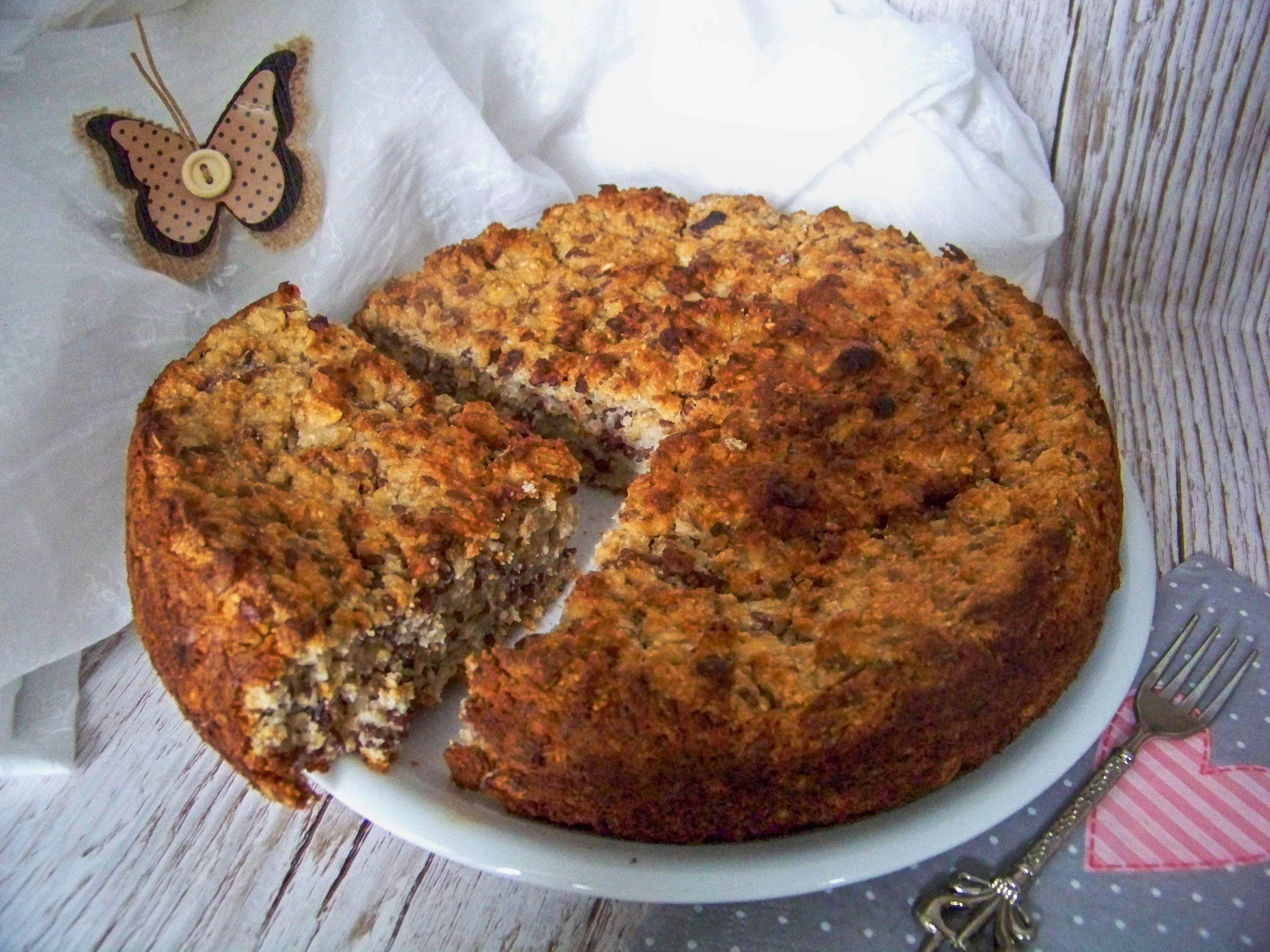 Frühstückskuchen-mit-Haferflocken-und-Leinsamen - angeschnitten