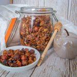 Granola selber machen- Granola im Glas mit Deko