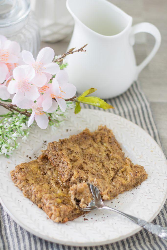 Baked Oatmeal Vanille mit Milchkännchen