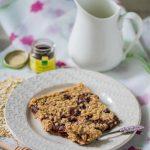 Baked Oatmeal mit Kirschen und Bourbon-Vanille