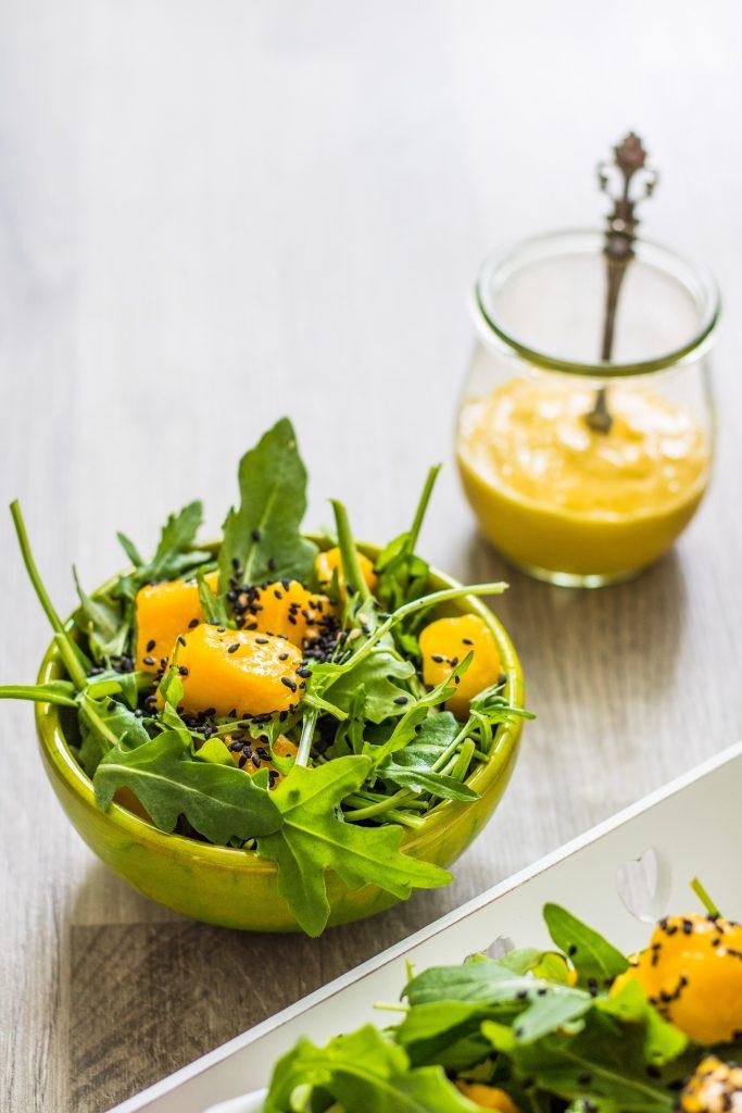 Rucola-Mango-Salat mit Mango-Dressing