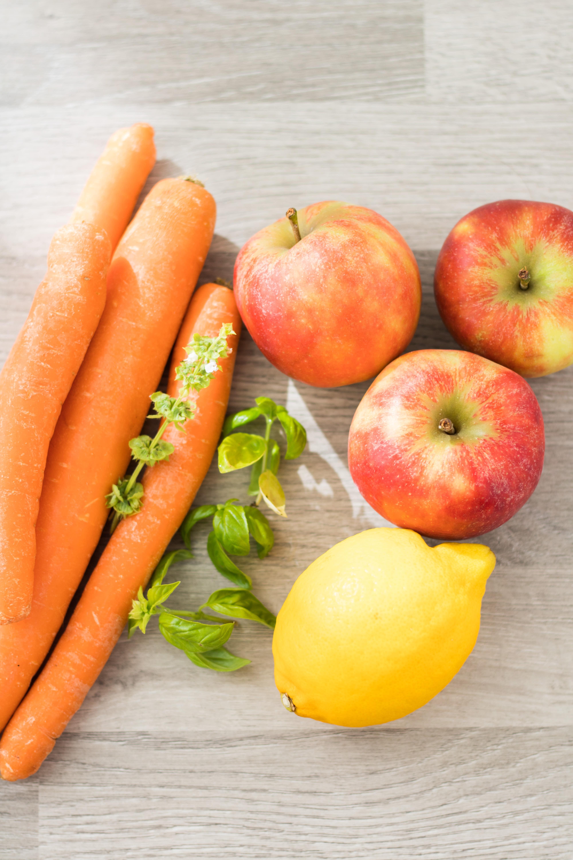 Äpfel und Möhren
