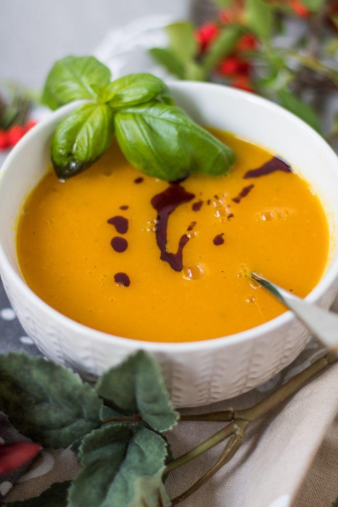 gesunde Apfel-Möhren-Suppe