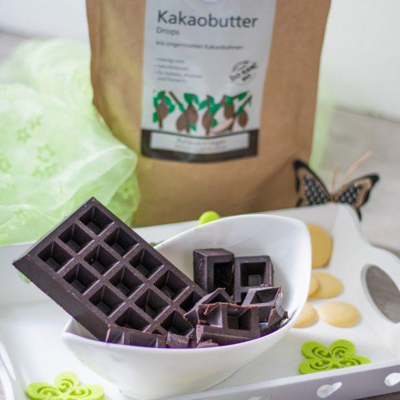 Schokolade selber machen_ Kakaobutterdrops von Govinda