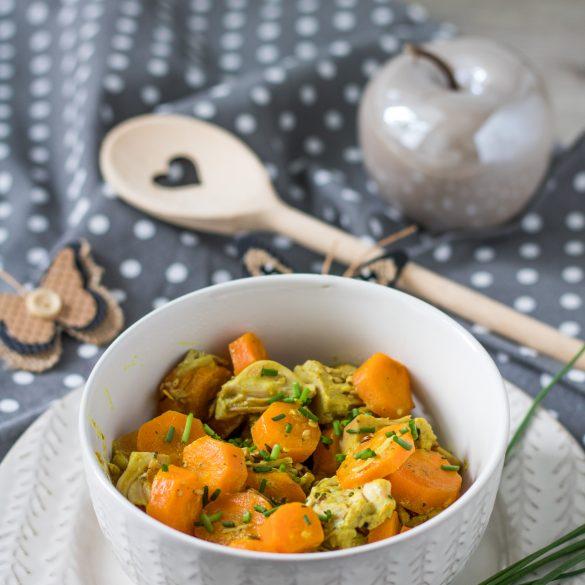 Jackfrucht-Möhren-Curry mit Kochlöffel