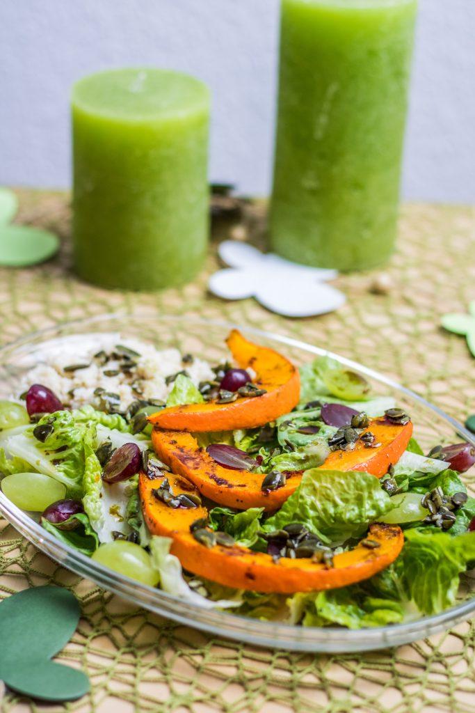 Bunter Salat mit Trauben, Hirse und Kürbis, Frühlingssalat