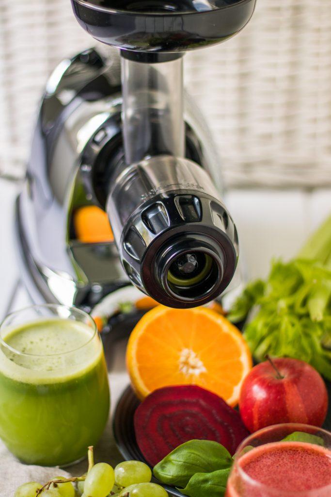 Horizontaler Entsafter Slow Juicer Omega Juicer 8226 und Tipps zum Entsaften