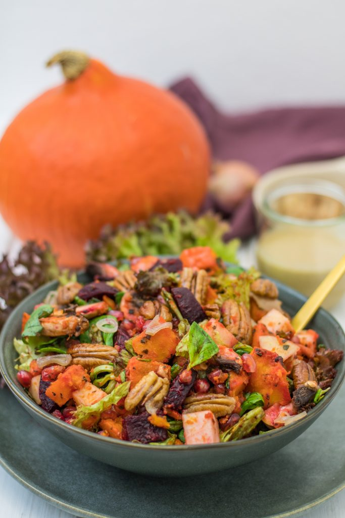 Herbstlicher Ofengemüse-Salat mit Kürbis